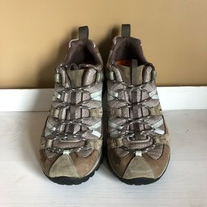 Merrell Hikers Never worn size 8 Ortholite